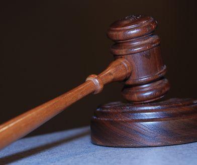 Afera z notariuszami: sąd odrzucił wniosek o areszt. TVP Info wietrzy spisek i myli sądy