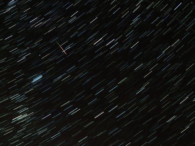 Noc spadających gwiazd 2020. Jak obserwować Perseidy?