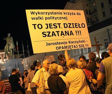 """""""Racjonalność skończyła, kiedy wybuchł spór o to, gdzie ma się znaleźć krzyż, który stanął 15 kwietnia na Krakowskim Przedmieściu"""""""
