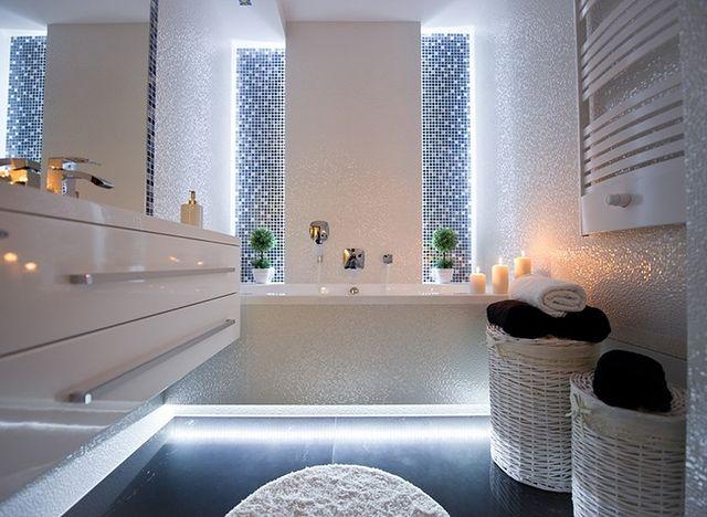 Aranżacja białej łazienki