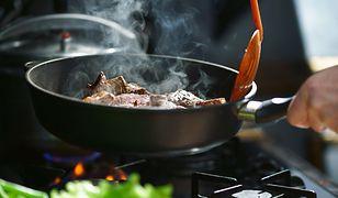 Jak uratować sprzęty kuchenne? Szybkie sposoby na przypalone garnki, kamień i rdzę