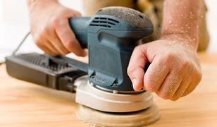 Renowacja drewnianej podłogi: cyklinowanie i olejowanie