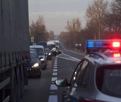 Warszawa. Kolizja na trasie s8 na wysokości ul. Modlińskiej
