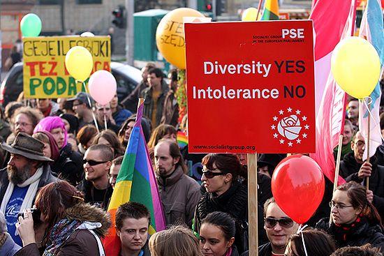 W Poznaniu demonstrowali przeciwko nietolerancji - zdjęcia