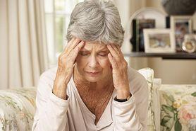Samotność zwiększa ryzyko demencji. Wyniki badań