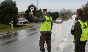 Straż graniczna hurtowo odbiera dowody rejestracyjne. Niesprawne auto lepiej zostaw w garażu