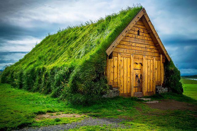 Zielony dach w Skalholt