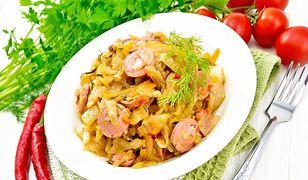 Duszona młoda kapusta to klasyka polskiej kuchni