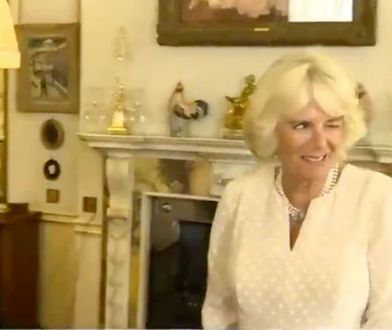 Camilla Parker Bowles puszczająca oczko