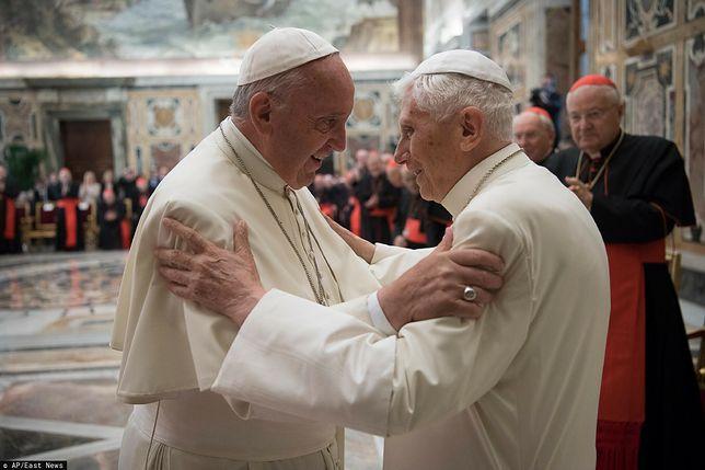 Benedykt XVI i papież Franciszek zostali już zaszczepieni przeciwko koronawirusowi