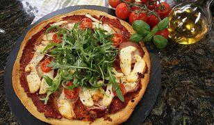Pizza margherita. Obiad po włosku