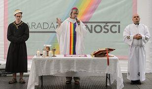 """Odprawił """"tęczową mszę"""" na Paradzie Równości. Szymon Niemiec usłyszał zarzut obrazy uczuć religijnych"""