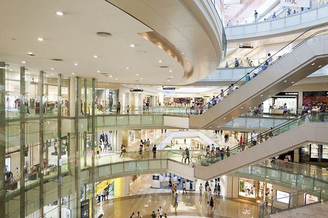 """Otwarcie centrów i galerii handlowych. Już wkrótce nastąpi długo oczekiwany drugi etap """"odmrażania gospodarki"""""""