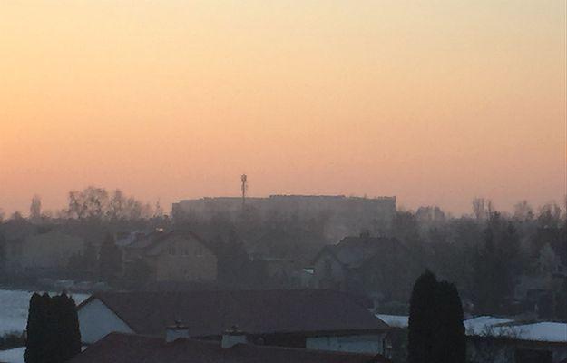 """III stopnień zagrożenia smogowego, tzw. """"kod czerwony"""""""