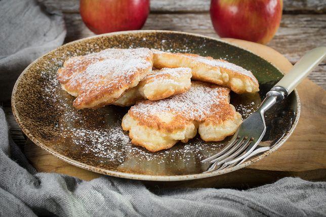 Słodkie racuchy z jabłkami