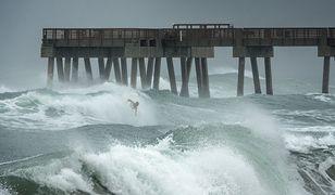 Huragan Isaias to teraz burza tropikalna. Zbliża się do wybrzeży Florydy