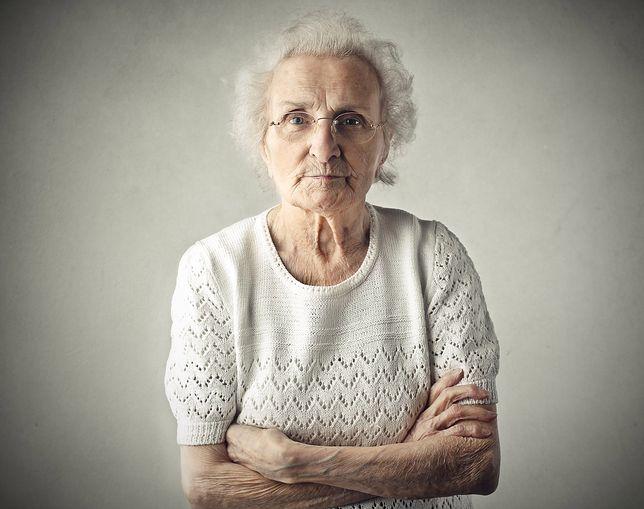 Dziadkowie, którzy opiekują się wnukami, żyją dłużej. Tylko czy zawsze mają wybór?