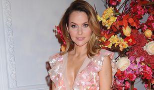 Paulina Sykut-Jeżyna pokazała swój płaszcz na wiosnę. Wychodzi z domu odpowiednio zabezpieczona
