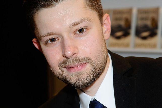 Remigiusz Mróz jest najpopularniejszym polskim pisarzem