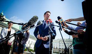 Rafał Trzaskowski przed Pałacem Prezydenckim