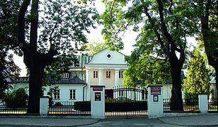 Pałac w Czumowie i kościół w Uchaniach. Poznaj urodę Kresów