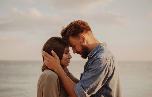 Walentynki 2019 - rymowane oraz romantyczne życzenia na Walentynki dla niej i dla niego.