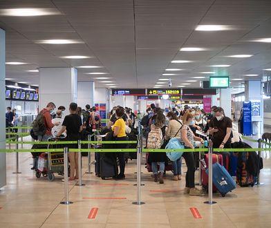 Niemcy. 74-latka przewoziła w bagażu szczątki męża