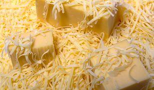 Ser żółty jest wartościowy, ale uważaj na podróbki!