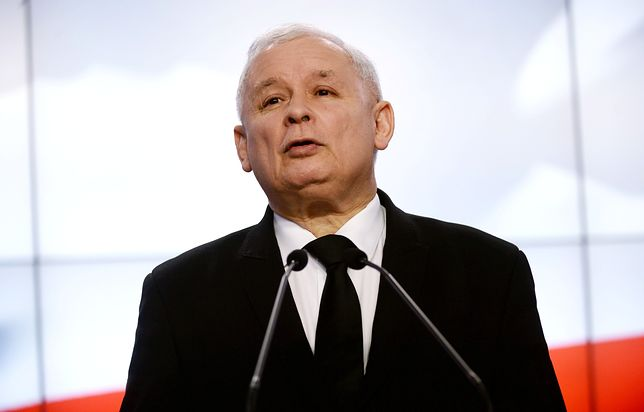 Prezes PiS Jarosław Kaczyński wygłasza oświadczenie. Relacja wideo