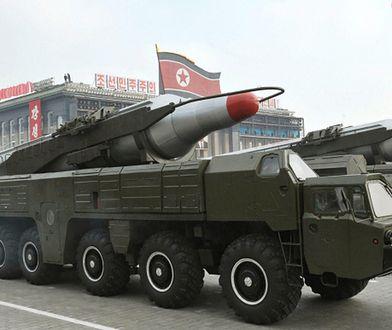 Premier Japonii alarmuje. Korea Północna może mieć pociski z bronią chemiczną