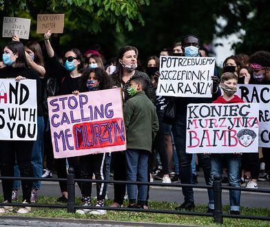 Bianka Nwolisa protestująca w Warszawie