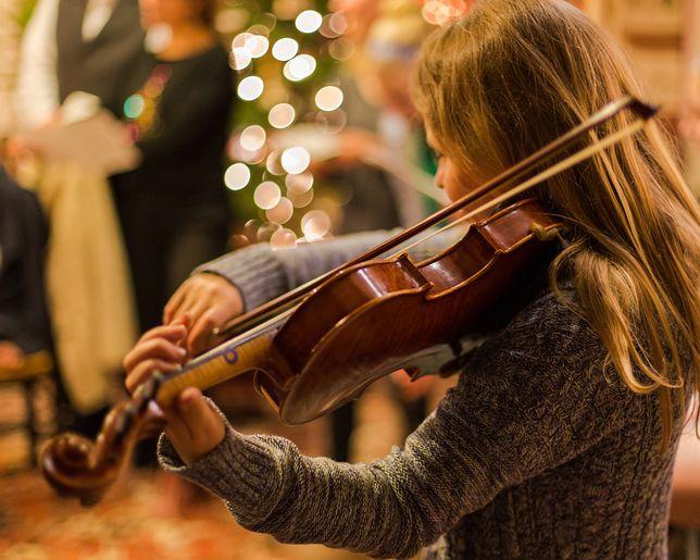 Najpiękniejsze polskie kolędy. Teksty i podkłady muzyczne. Przygotuj się na Święta Bożego Narodzenia