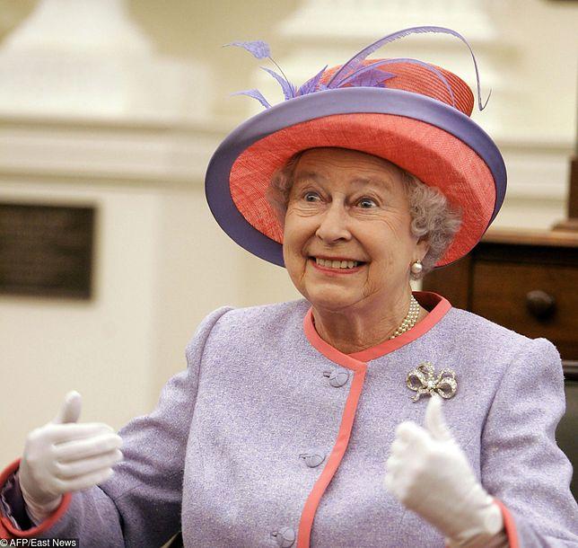 Królowa Elżbieta II jest zachwycona małym Archiem