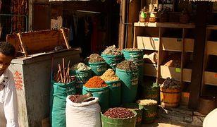 Kryzys walutowy w Egipcie. Ludzie nie kupują leków, stać ich tylko na zioła