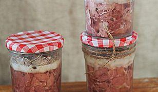 Domowe mięsne przetwory w słoikach