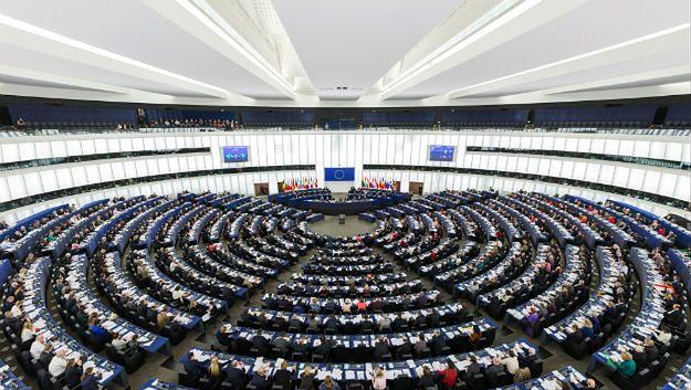 Brytyjski poseł zasłabł w Parlamencie Europejskim. Wcześniej brał udział w bójce