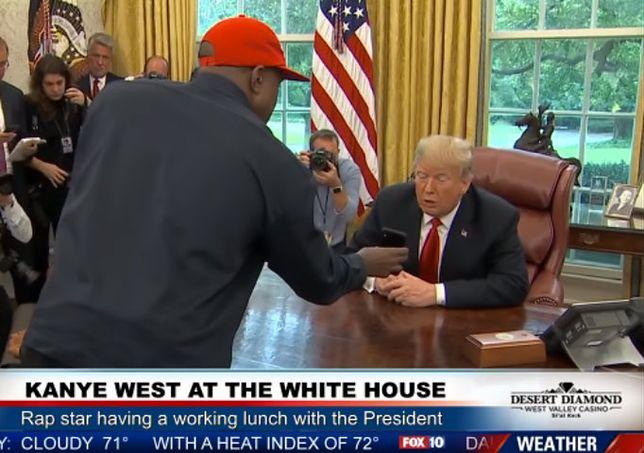 """Kanye West pokazał prezydentowi projekt """"iPlane"""""""