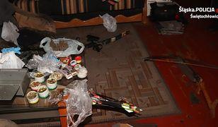 Śląska policja odkryła arsenał broni składowany w mieszkaniu