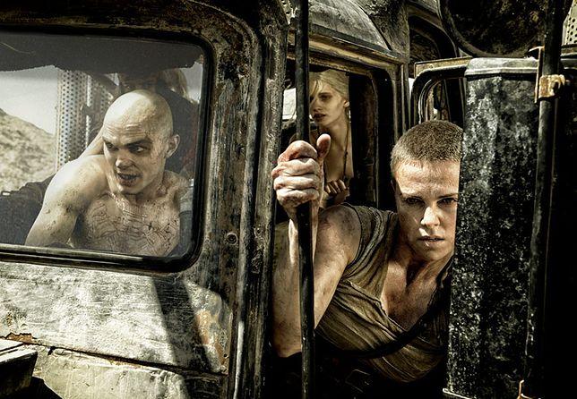 """Charlize Theron, Abbey Lee i Nicholas Hoult w filmie """"Mad Max: Na drodze gniewu"""""""