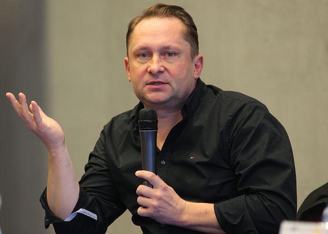 Kamil Durczok w swoim nowym felietonie krytykuje artystów