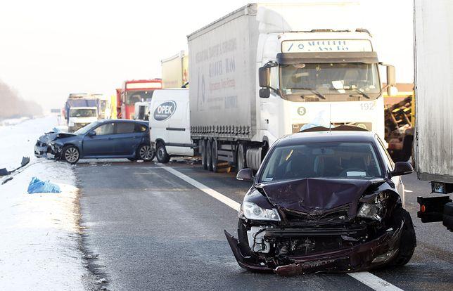 IMGW ostrzega. Na drogach będzie bardzo niebezpiecznie