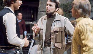 """Harrison Ford, Gary Kurtz i Mark Hamill na planie """"Gwiezdnych wojen"""" (1977)"""