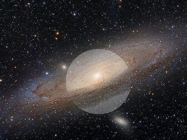 """Saturn posiada """"mini Układ Słoneczny"""""""