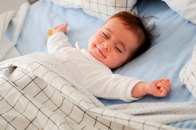 Jak zadbać o komfortowy sen w upalne noce?