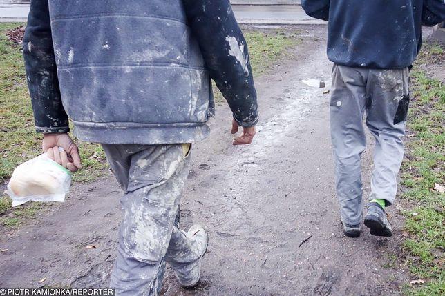 Polscy emigranci muszą oszczędzać. Mają na to swój sposób