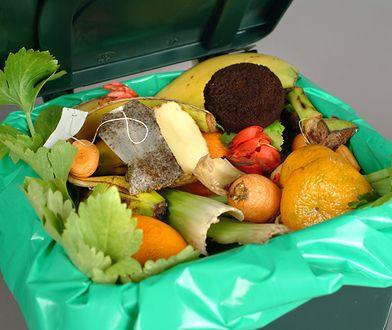 Zbyt dużo jedzenia ląduje w naszych śmietnikach
