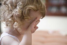 Co robić, gdy chore dziecko ciągle marudzi?