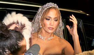 Jennifer Lopez w sukni ślubnej