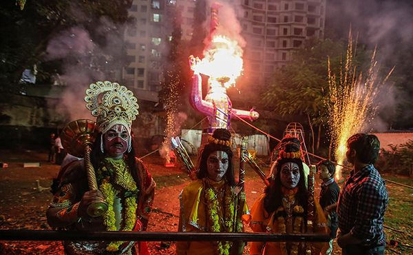 Podczas festiwalu w Indiach wybuchła panika. Nie żyją 32 osoby, większość to kobiety i dzieci
