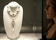 Rekordowa cena za unikatową perłę Liz Taylor
